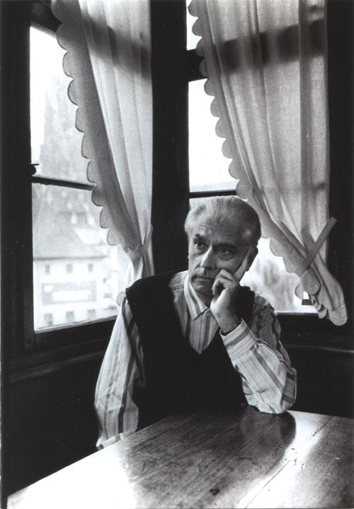 Cesar en Estrasburgo SOLAPA.jpg